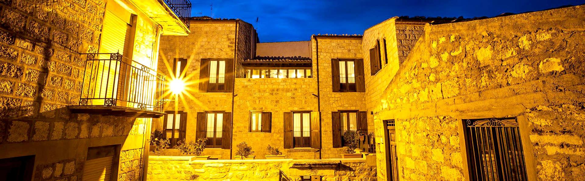 Hotel Residenza Petra - Edit_Front.jpg