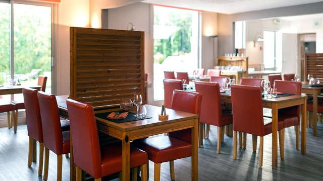 Latitude Ouest Hotel Restaurant