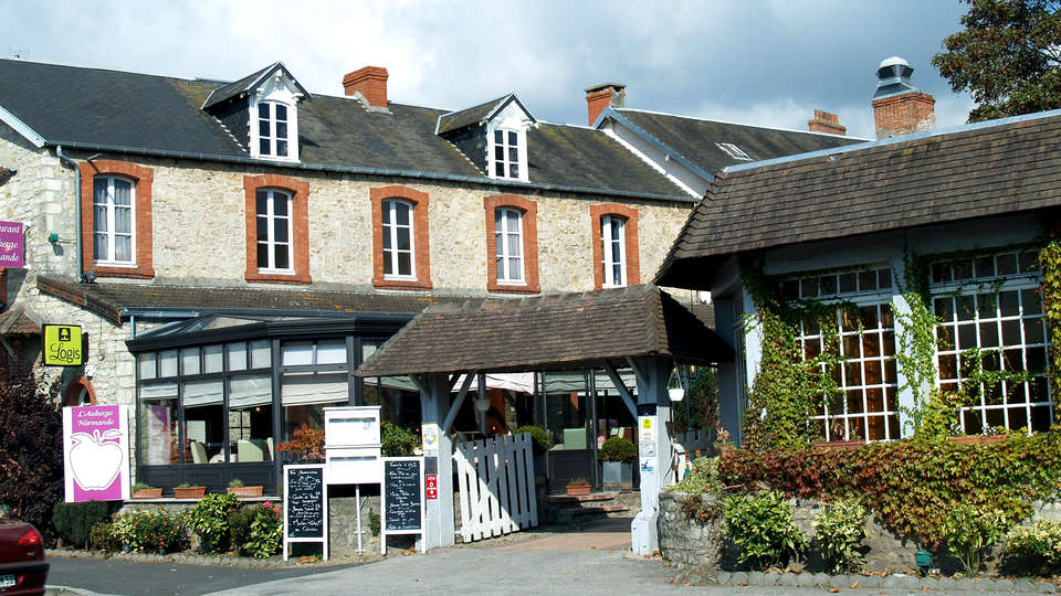 L'Auberge Normande - Edit_Front.jpg