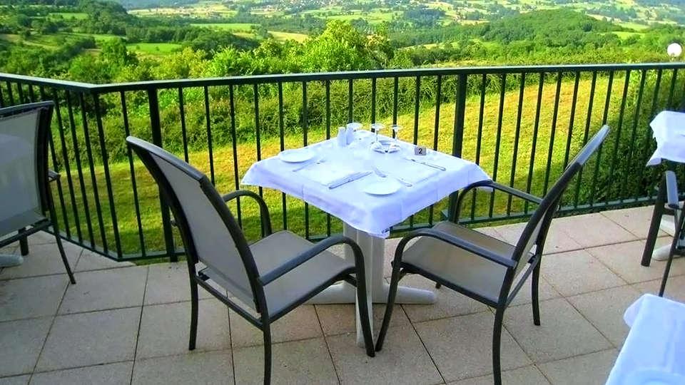 Le Relais de Castelnau - Edit_Terrace2.jpg