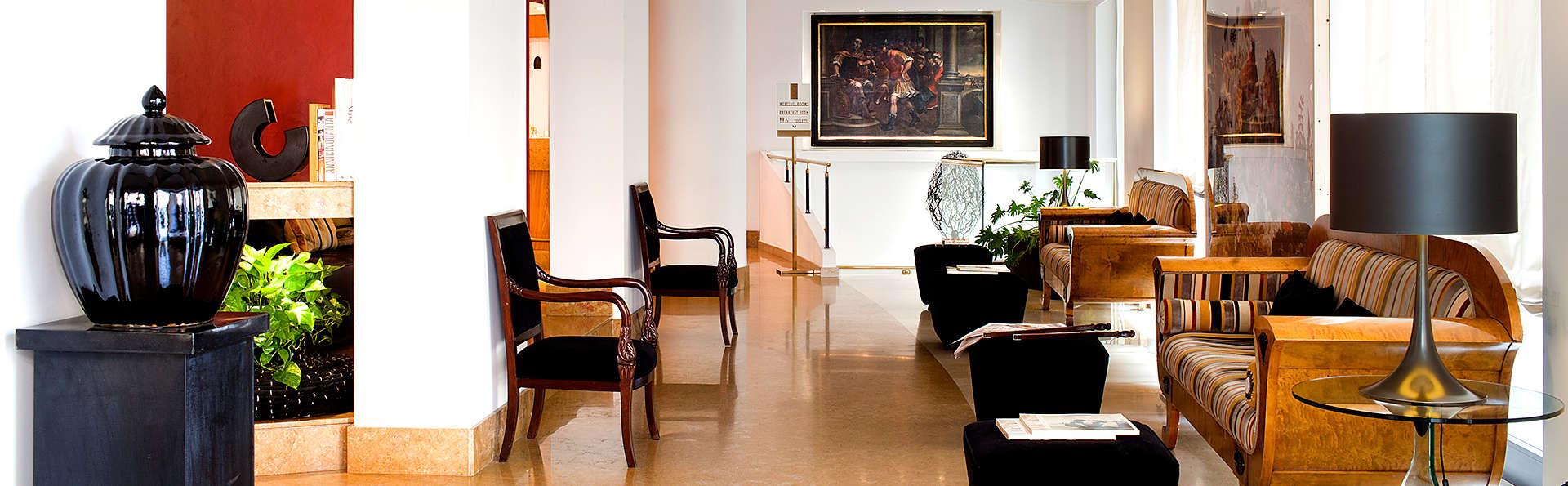 Hotel Plaza Opéra - Edit_Lobby2.jpg