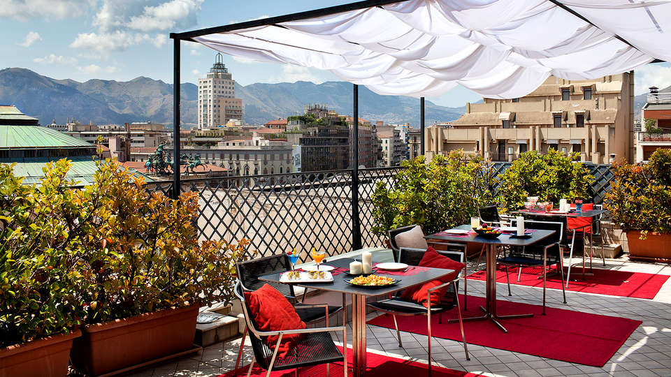 Hotel Plaza Opéra - Edit_Terrace5.jpg