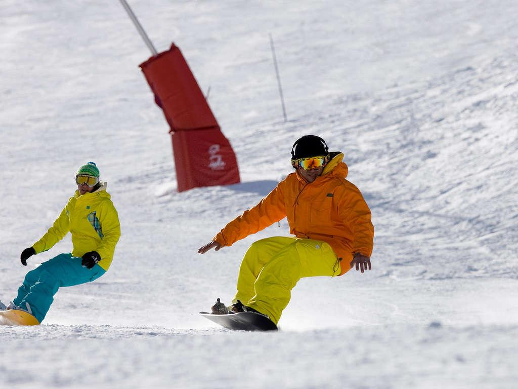 Séjour Ski Alpes - Week-end à la montagne en plein coeur d'Isola 2000 avec séance de motoneige  - 4*