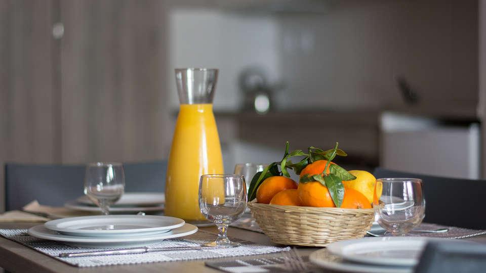 Le New Chastillon - Edit_Breakfast.jpg