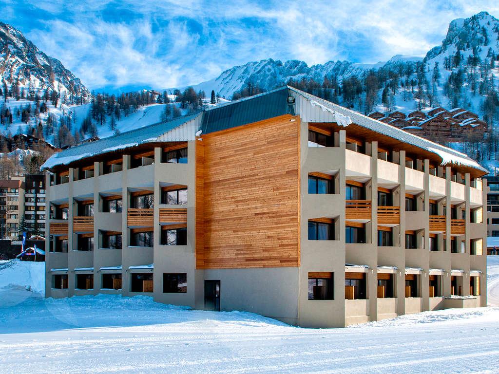Séjour Ski Alpes - Bien-être et raquettes à Isola 2000  - 4*