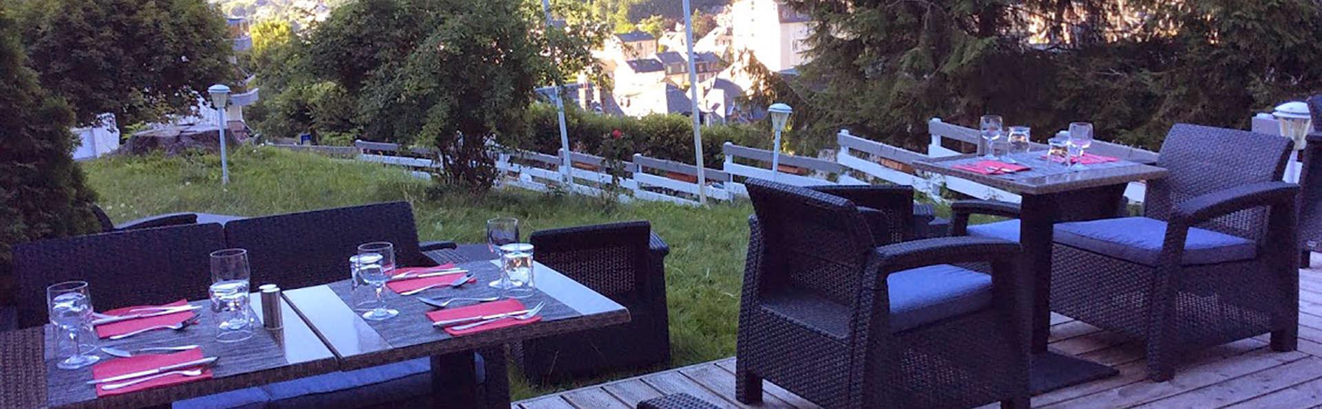 Le Panorama - Edit_Terrace.jpg