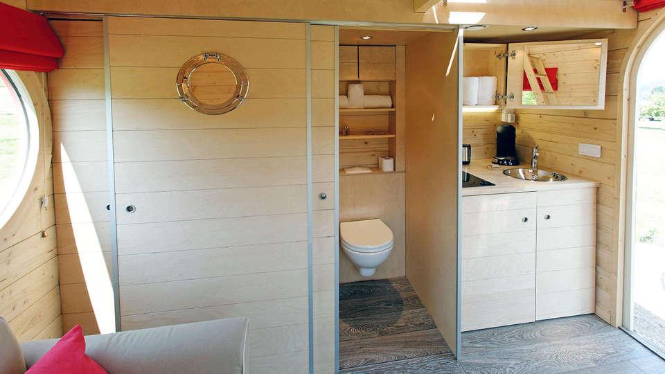 Le Village de la Champagne - Edit_Bathroom2.jpg