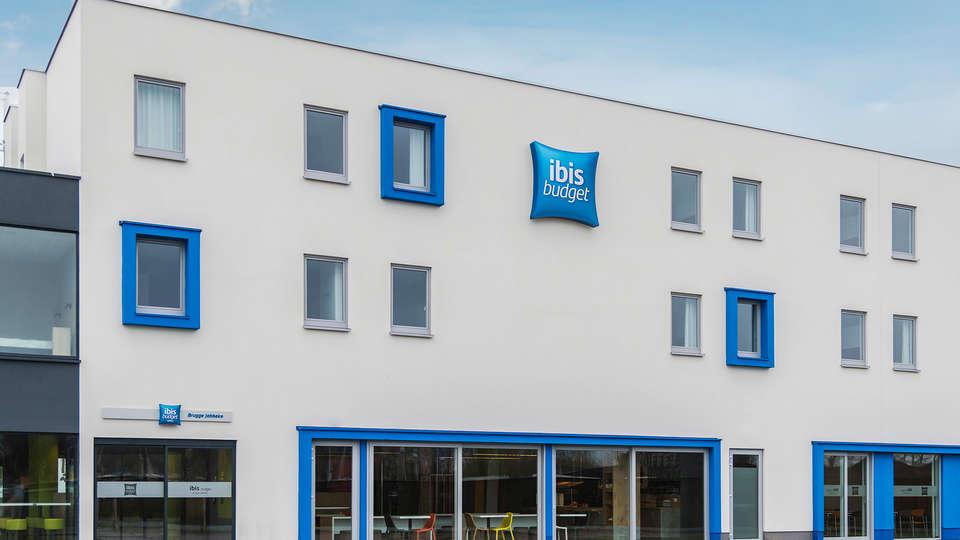 Ibis Budget Brugge Jabbeke - Edit_Front.jpg