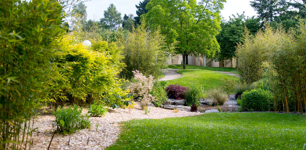 Les jardins de l 39 anjou la pommeraye france - Jardin suspendu brussels montpellier ...