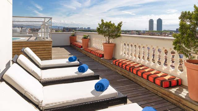 Escapada Mini-vacaciones con un cocktail en la terraza con increibles vistas de Barcelona (desde 3N)