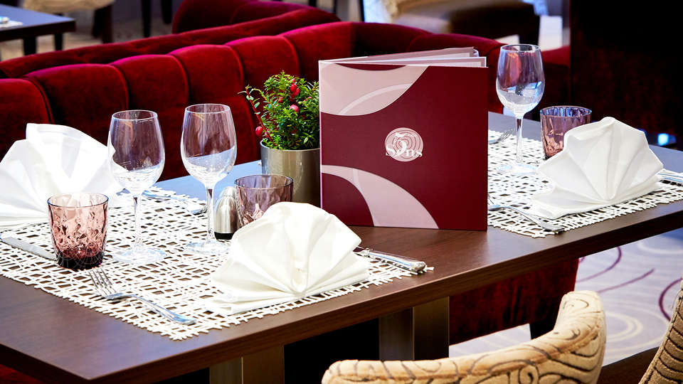 Résidence Les Loges du Park - Edit_Restaurant.jpg