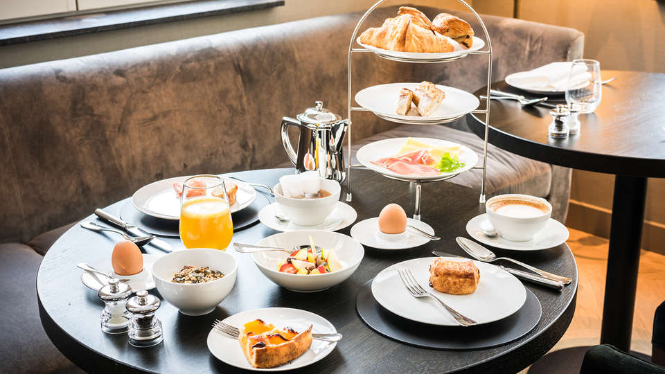 Pillows Grand Hotel Place Rouppe  - Edit_Breakfast.jpg