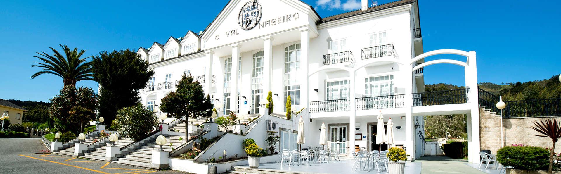 Escapada Romántica con Cena en habitación deluxe con vistas al valle de Viveiro