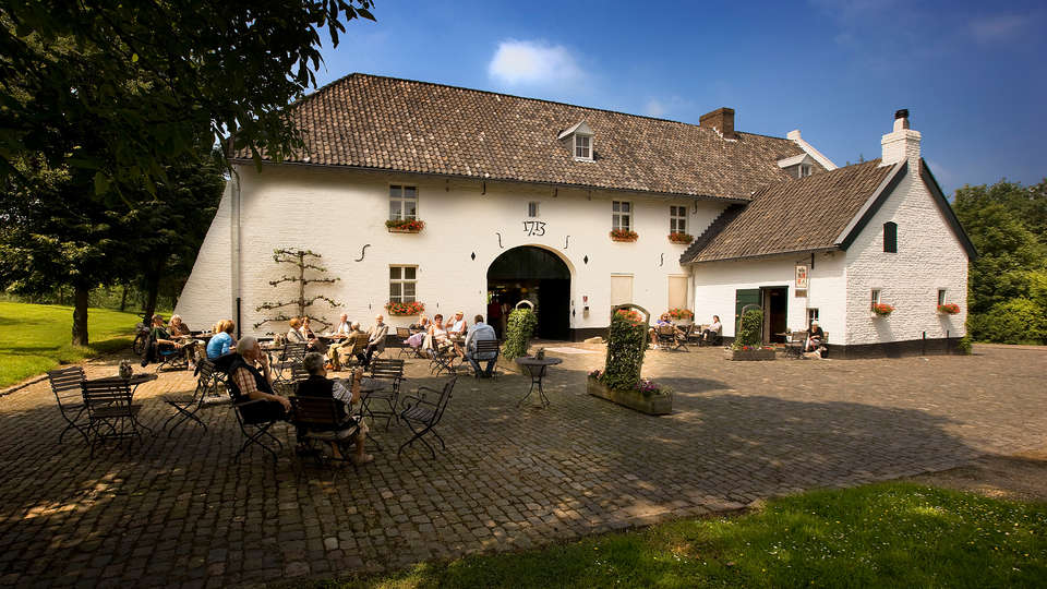 Fletcher Hotel-Restaurant Kasteel Erenstein - Edit_Terrace3.jpg