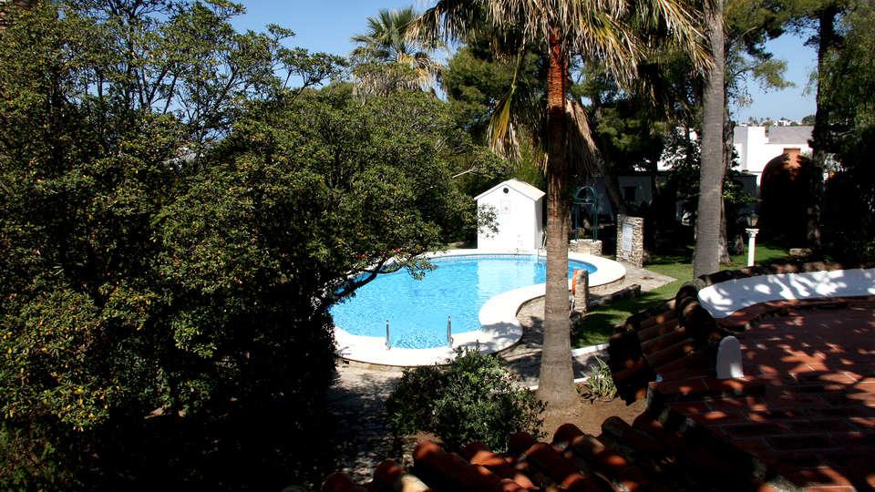 Suites Cortijo Fontanilla - EDIT_NEW_POOL.jpg