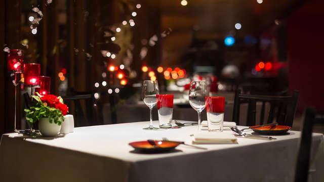 Escapada romántica con cena típica castellana y acceso al circuito termal en Segovia