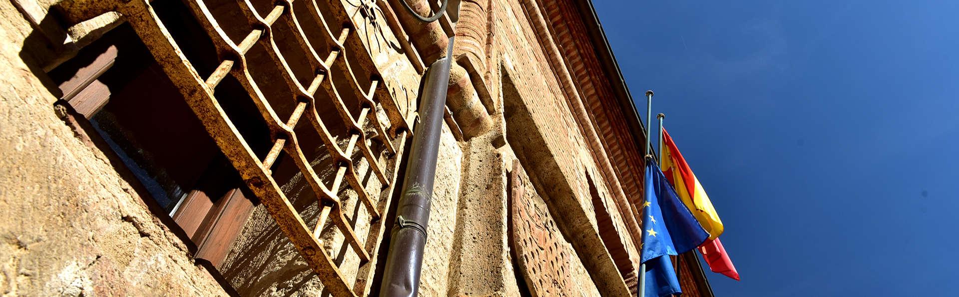 Posada Palacio Rejadorada - Edit_Front2.jpg