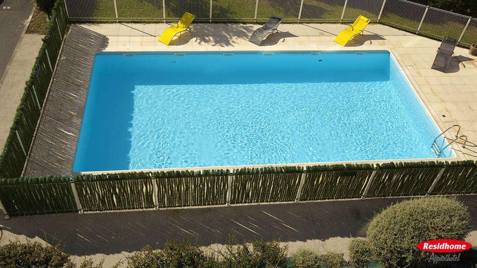 Residhome Occitania - edit_pool1.jpg