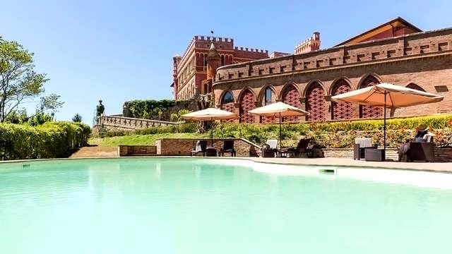 Encanto en un hermoso resort en la campiña de Pisa con degustación y visita a la bodega