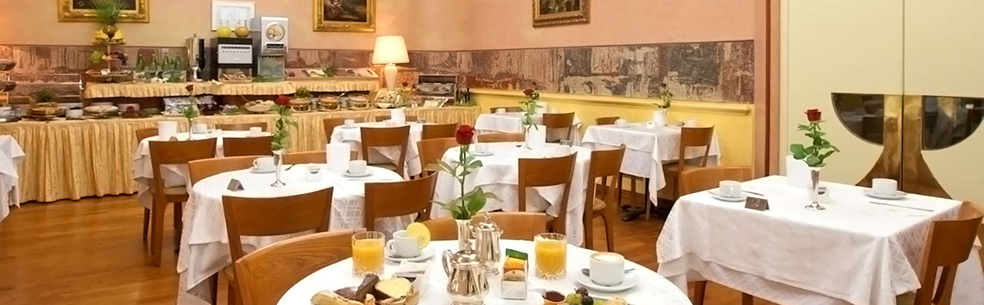 Hotel Mondial - Edit_Restaurant.jpg