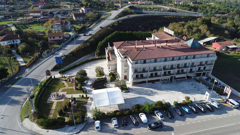 Hotel Alfonso I - edit_new2_front_birdeye.jpg