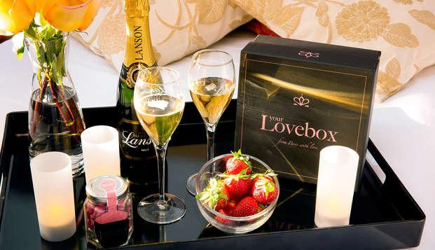 Romanticismo con caja de amor y spa privado