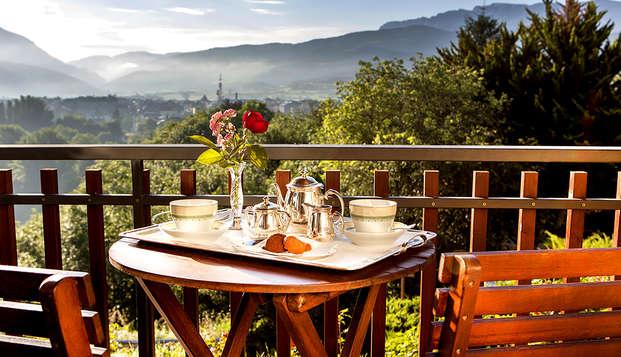 Escapada relax en habitación superior con vistas a los Pirineos