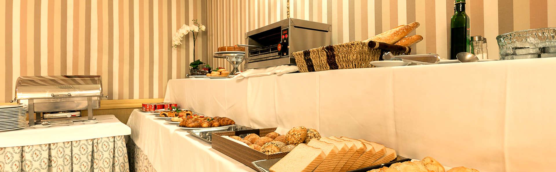 Hotel Exe Reina Isabel - Edit_Breakfast.jpg