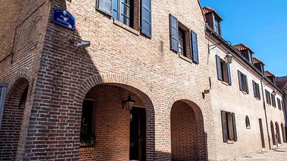 Logis Hôtel du Beffroi - Edit_Front.jpg