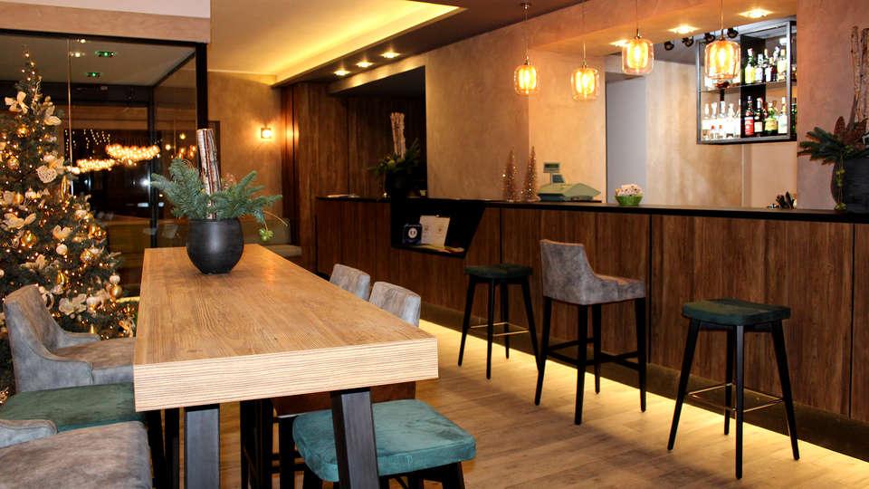 Harmony Suite Hotel - EDIT_NEW_LOUNGE2.jpg