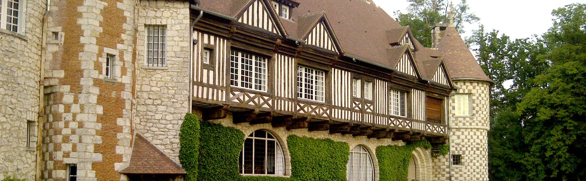 Manoir de Beaumarchais - Edit_Front5.jpg