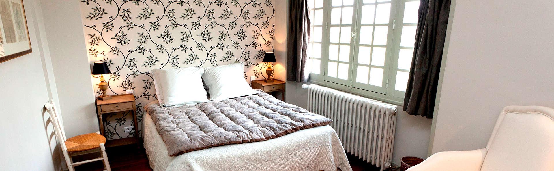 Manoir de Beaumarchais - Edit_Room5.jpg