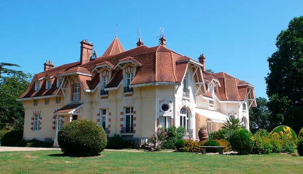 Descubre Biarritz desde el Château du Clair de Lune