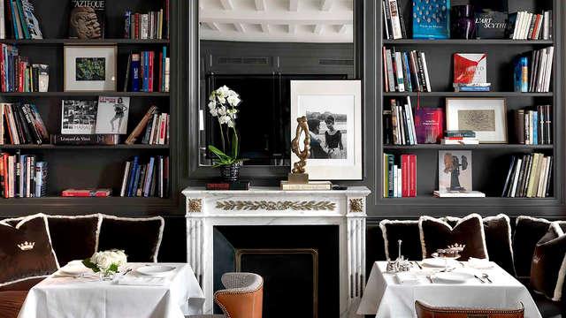 Raffinement et enchantement dans la Suite Master de cet hôtel particulier parisien du XVIIème siècle