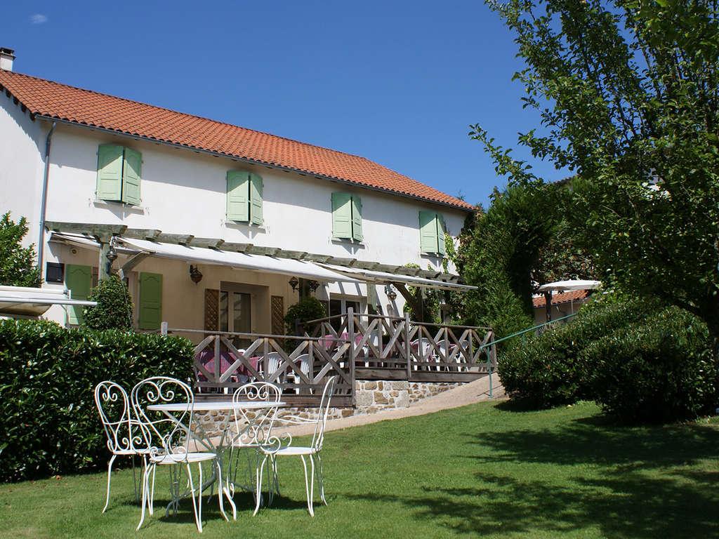 Séjour France - Spéciale été: Prenez l'air dans la très belle région de la Châtaigneraie (à partir de 2 nuits)  - 3*