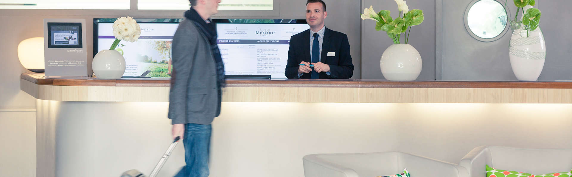 Mercure Reims Parc Des Expositions - Edit_Reception.jpg