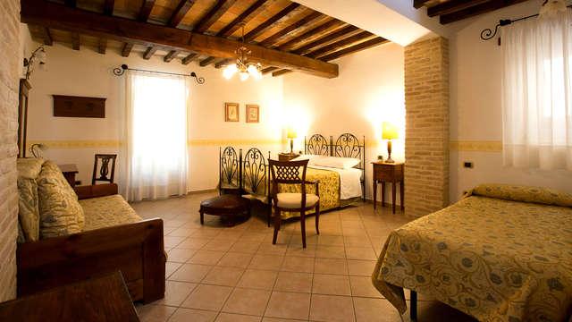 Découvrez le village pittoresque de Bevagna avec une Junior Suite dans une construction de l'époque