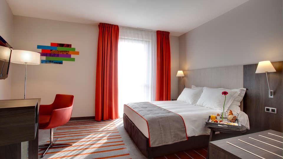 Park Inn by Radisson Lille Grand Stade - Edit_Romantic4.jpg