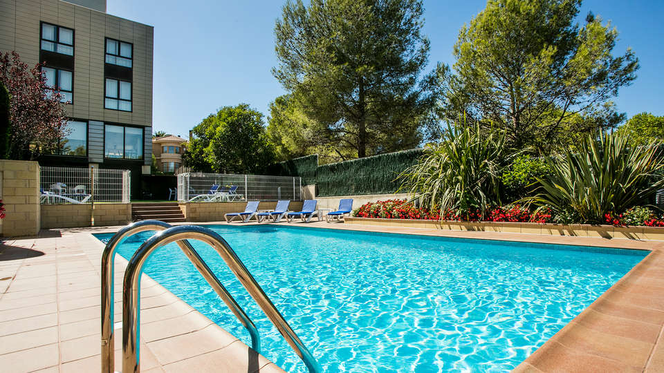 Hotel Desitges - EDIT_NEW_Pool2.jpg