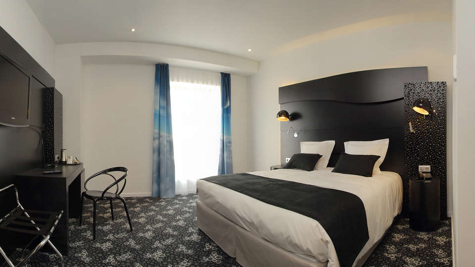 Quality Hotel Centre Del Mon - Edit_Room10.jpg