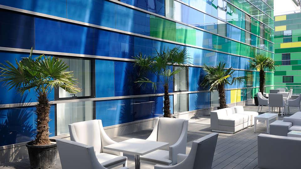 Kyriad Prestige Perpignan Centre Del Mon - Edit_Terrace2.jpg