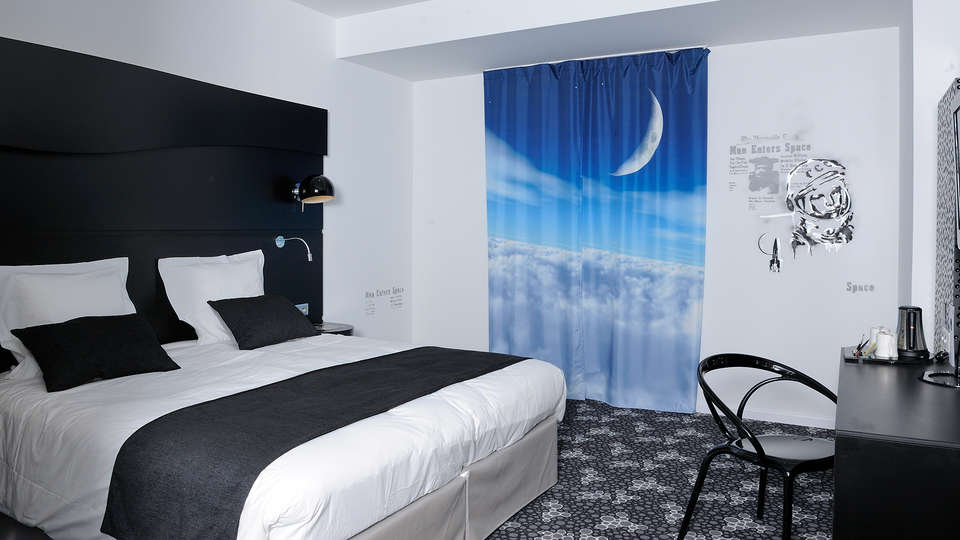 Quality Hotel Centre Del Mon - Edit_Room2.jpg