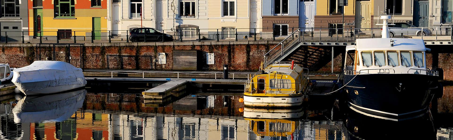 Admirez la belle ville de Gand depuis l'eau