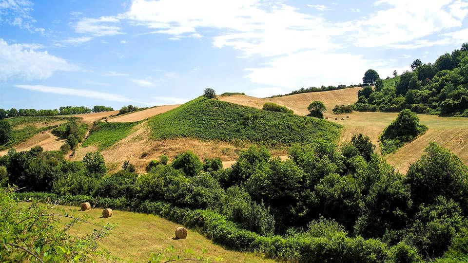 Agriturismo La Rocca dei Briganti - Edit_Destination2.jpg