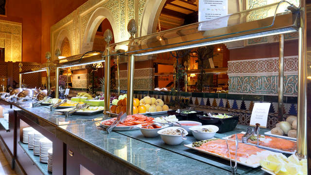 Hotel Alhambra Palace - Breakfast