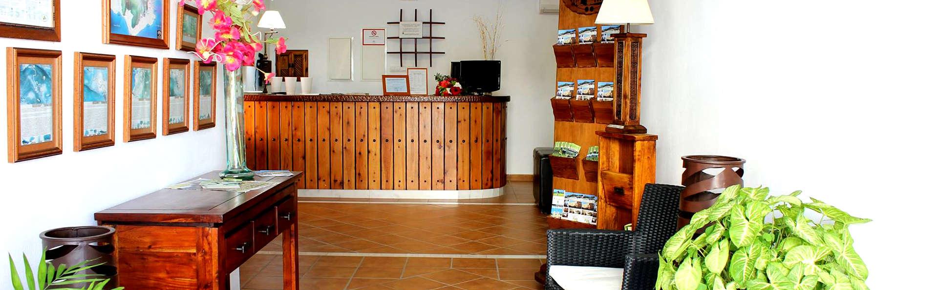 Hacienda Don Luis - Edit_Reception.jpg