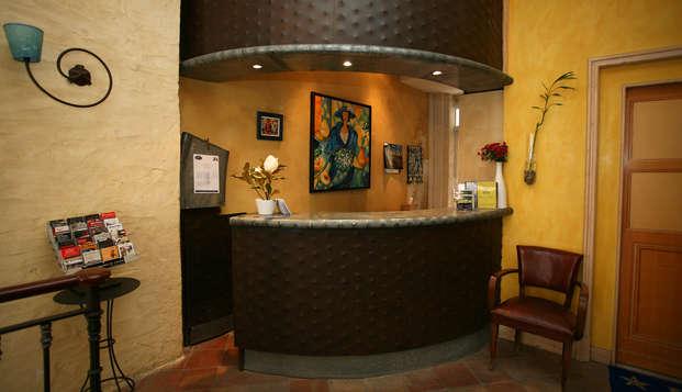 QUALYS-HOTEL Bordeaux La Tour Intendance - Reception