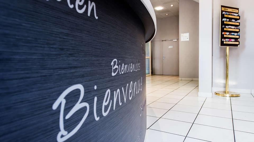 Quality Hotel Pau Centre Bosquet - EDIT_NEW_Reception.jpg