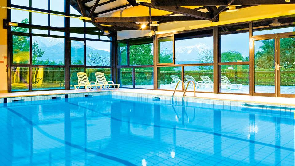 Club Vacances Bleues Les Horizons du Lac - Edit_Pool.jpg