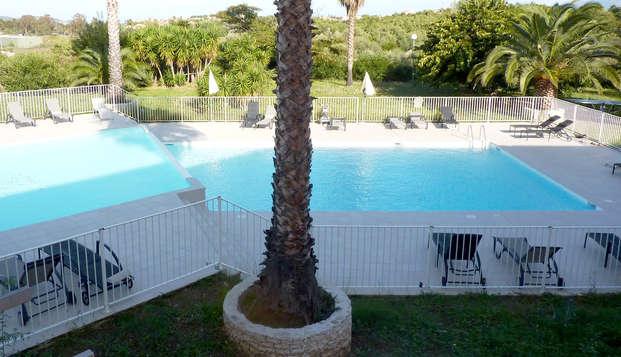 Residence Adonis Citadelle Resort - Pool